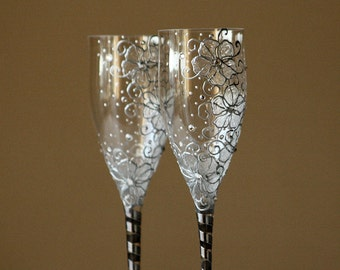 Wedding Glasses, Champagne Toasting Glasses, Champagne Flutes, HAND PAINTED , Set of 2