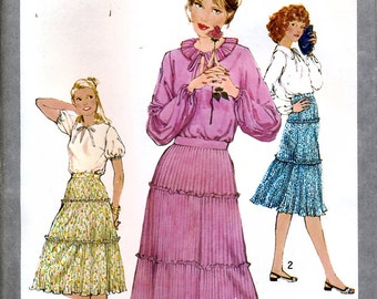 Simplicity 8456 Vintage 70s Misses' Pullover Top and Pre-Pleated Skirt Sewing Pattern - Uncut - Size 6 and 8 - Bust 30.5 and 31.5