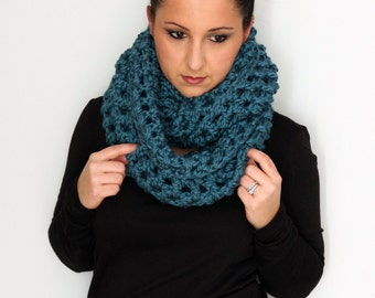 Teal Oversized Bulky Infinity Scarf, Winter Fashion Cowl