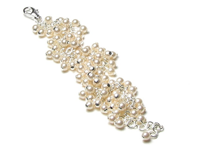 Cream Wedding Swarovski Pearl Cluster Adjustable Silver Charm Bracelet, Pearl Bridal Jewelry, Ivory Pearl, Romantic Jewelry, Bridesmaid Gift