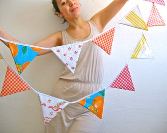 Oilcloth bunting The Picnic style / banner / garland for decoration / party / nursery / baby shower...YaY