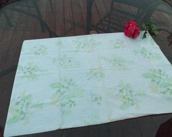 "Sale 1 standard pillowcase Dogwood no iron, 50% cotton, USA. pastel green  yellow, floral on white background.20.5""x 30.5"". USA. linens dorm"