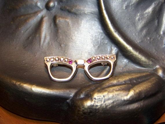 14k Solid Gold Eyeglass Frames : 14k Solid Gold Vintage Cat Eyeglasses Brooch Pin by MaxxiGirl