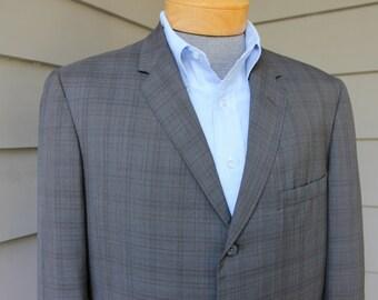 vintage 1960's Men's -Sears- Trad 'sack' sportcoat. Natural shoulder.  Subtle Madras style plaid - Summer weight. Size 42 Reg