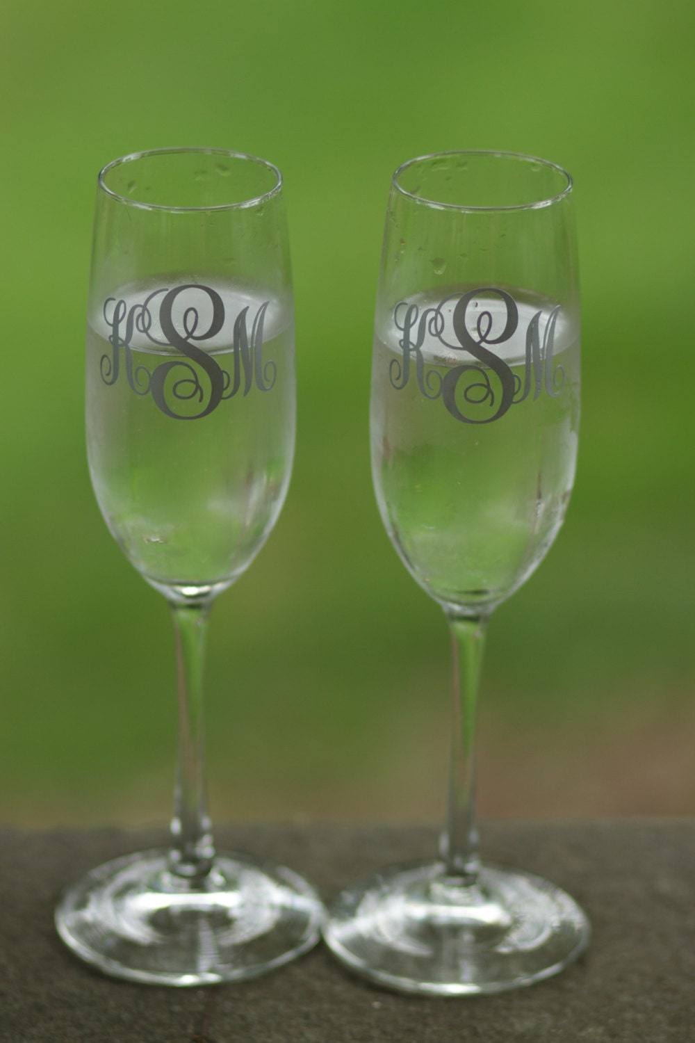 bride and groom toasting flutes wedding champagne glasses