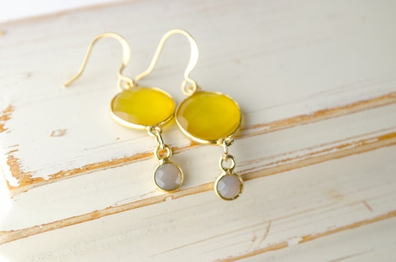 Yellow & Gray Earrings | Lemon Onyx | Gray Moonstone | Bezel Set Gemstones | Gold Earrings | Bridesmaids Jewelry | Dangle Earrings