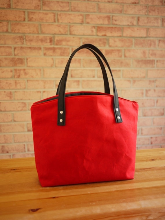 SALE/ Waxed Canvas Zipper Tote in Red- Small Vegan Day Bag