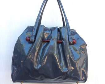 Gray vintage handbag, shiny patent faux leather, mod slouchy ruffled