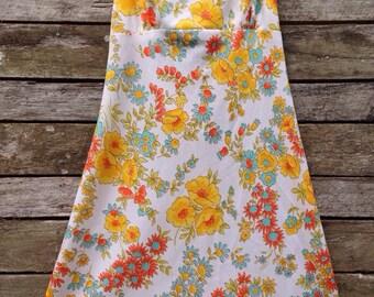 1960's Pretty Floral Halter Neck Dress