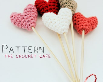 PATTERN - It Must Be Love: Crochet Mini Heart Pattern With Detailed Descriptions and Pictures