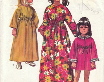 Girls Robe Pattern Simplicity 8570 Size 12