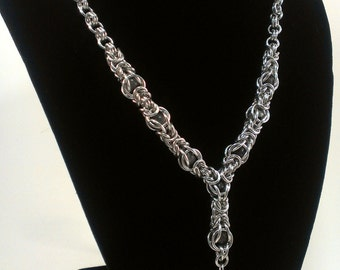 Caged Labradorite Byzantine Chainmaille Necklace