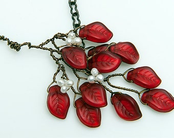 Red Leaf Twig Necklace, Red Branch Necklace, Red Beaded Necklace, Nature Jewelry, Christmas Necklace, Gift Idea for her,