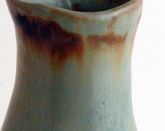 swaying blue bud vase