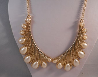 Collar Necklace with Gold tone and White Pearl Collar Pendants on a Gold Tone Chain