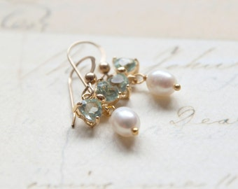 Single Pearl Earrings - Gold Bow Earrings - Erinite Gold framed Bridesmaid Gifts