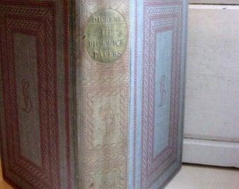 The Pickwick Club by Charles Dickens, 1938, Illustrated by Gordon Ross, a Christmas collectible vintage book