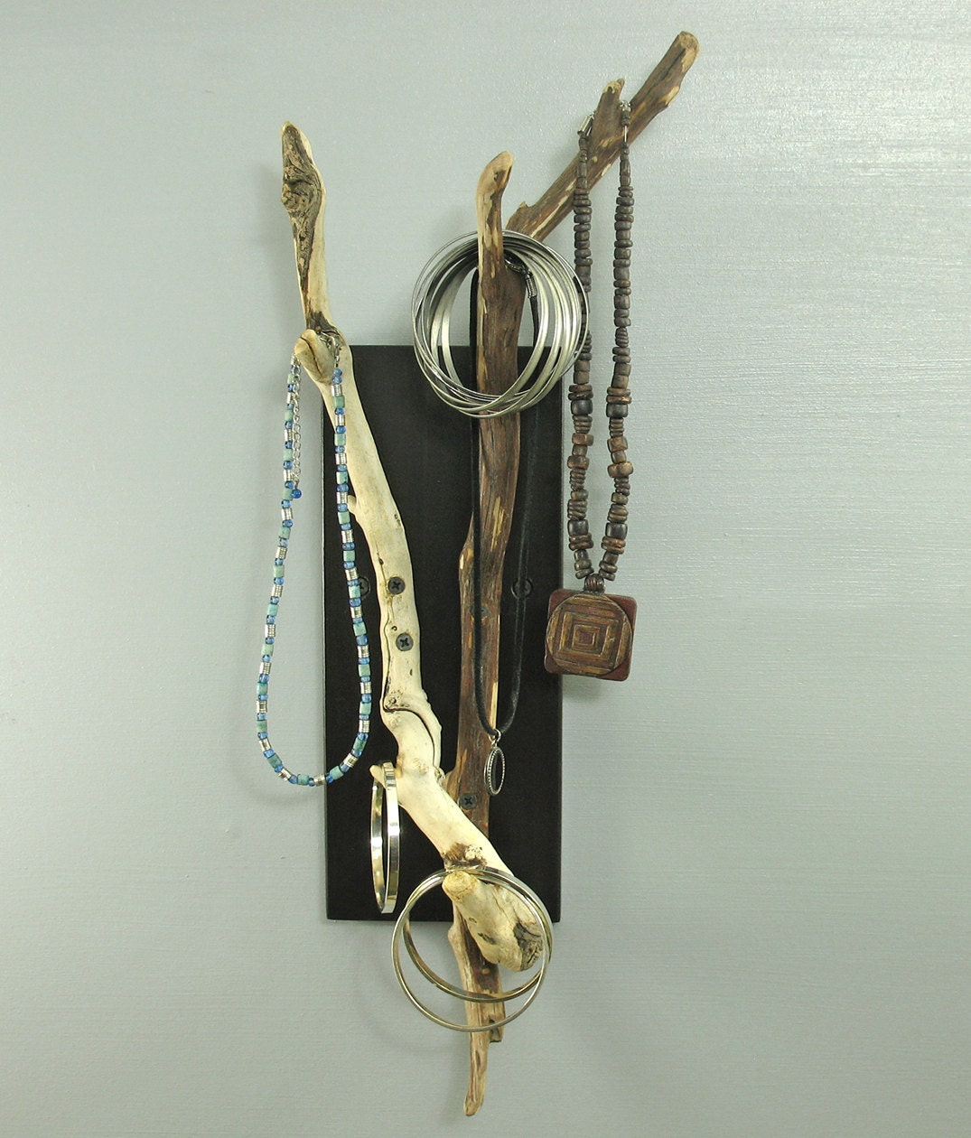 Wall Mounted Driftwood Key Hooks And Jewelry Organizer Modern