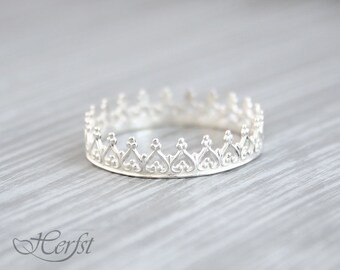 Crown ring, Princess ring, Tiara ring, Stacking Ring, Bridesmaid gift