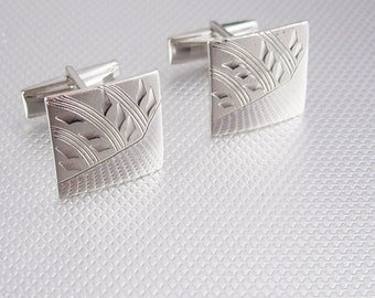 Diamond Cut Designed Cufflinks Vintage Silvertone Engravable Etched Pat 2,974,381