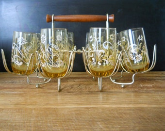 Retro Amber Drinking Glasses with Flower Motif