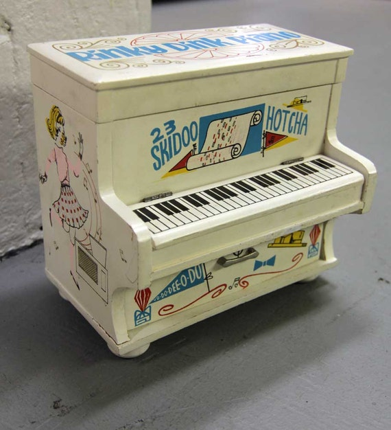 Vintage 1950's Kitschy Rinky Dink Piano Collectible Girls Jewelry Box Music Box Roaring 20s Re-Vamp