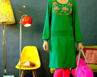 """""""Heart flower"""" with wide sleeves and yoke dress"""