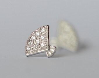 925 Sterling Silver Liitle Fan Shining Stud Earrings 594
