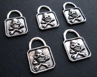 5 Skull Lock Charms / Antique Silver Tone Skull and Crossbone Padlocks / 5pc