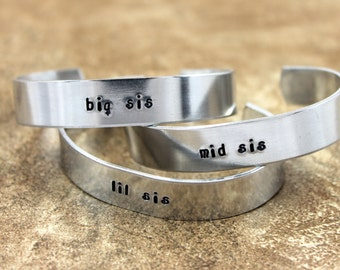 Sister Jewelry / Sister Gift / Sister Present / Custom Sister Bracelet / Sister Birthday Gift / big sis, mid sis, and lil sis Bracelet