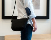 MINIMAL PURSE | Waxed Canvas Leather Stap | Small Crossbody Bag | Zipper Closure | Water Resistant | Black