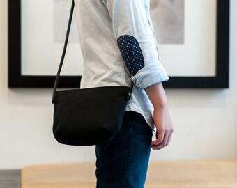 MINIMAL PURSE | Waxed Canvas Leather | Small Crossbody Bag | Adjustable Strap | Zipper Closure | Water Resistant | Black