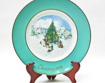 Avon Plate 1978 By Enoch Wedgwood - Trimming The Tree - Sixth Edition - England - Decorating Christmas Tree - Original Box