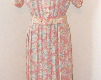 Pretty Pink Floral Vintage 80s dress in size 4