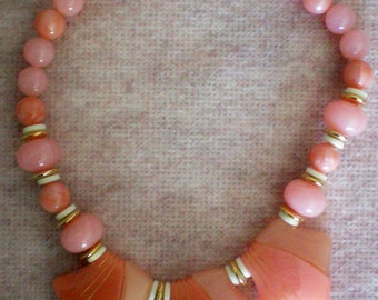 Chunky Lucite Salmon/Pink Beaded Necklace - 851