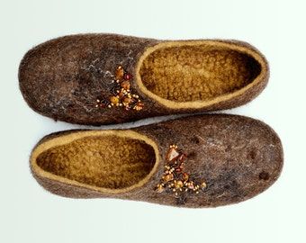 Women house shoes, felted wool slippers Amber -  cozy, warm gift