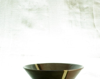 Pottemagerstuen, charming stribed stoneware bowl, made in Denmark.