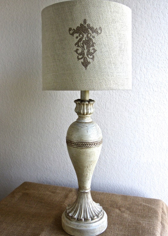 table lamp vintage distressed gilded ivory shabby chic ornate crackle. Black Bedroom Furniture Sets. Home Design Ideas