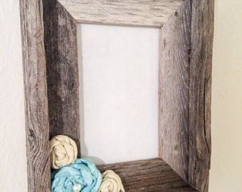 Shabby Chic 4x6 Frame with Rosettes