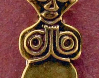 Huana Amulet Figure Button B507