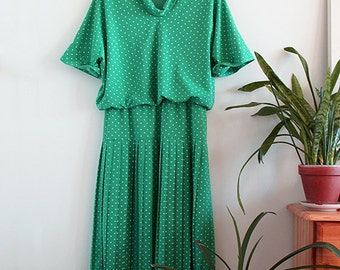 Vintage Green Polka Dot Pleated Dress