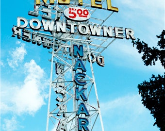 Downtowner Motel Neon Sign