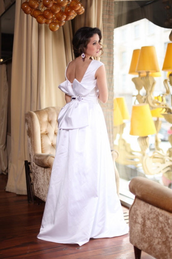 Black friday princess style wedding dress with open back for Black friday wedding dresses