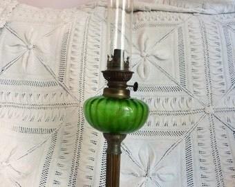 antique oil lamp - vintage oil lamp - antica lampada a petrolio ...