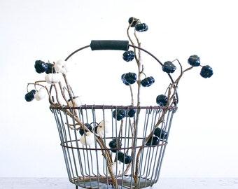 Vintage Wire Egg Basket / Large Size / Rustic Decor