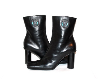 GIANNI VERSACE Vintage Boots Medusa Black Leather Ankle Booties 37 - AUTHENTIC -