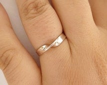 Sterling Silver Mobius Ring - Infinity Ring - Sterling Silver Mobius Band - Twisted Band - 3mm Wide Band -