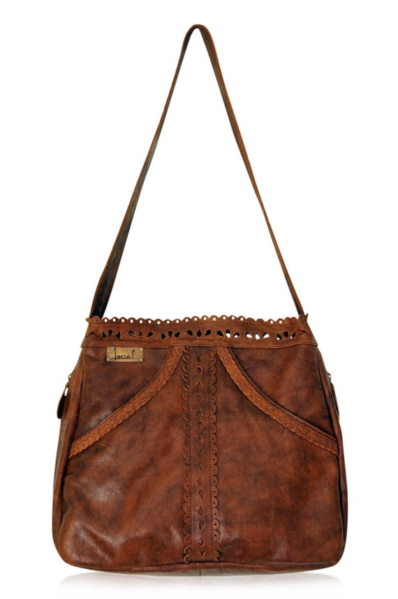 L'AMOUR. Brown leather tote / brown leather purse / leather shoulder bag / brown leather bag. Available in different leather colors.