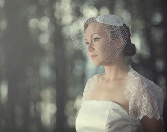 Alencon Lace Bridal Hat--Art Deco, 1920s, 1930s, 1940s style with Birdcage Veiling in White or Champagne