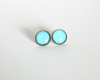 18mm Glossy Light Blue Post Earrings, Shiny Light Blue Jewelry, Light Blue Cabochon Earrings, Light Blue Cabochon Jewelry, Light Blue Studs